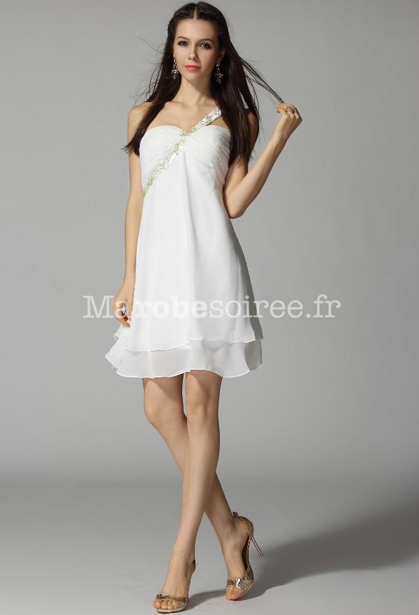 Robe de soir e courte andr a une bretelle fleurie et for Couleurs de robe de demoiselle d honneur de mariage de printemps
