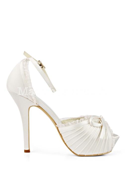 987b7a6aece278 ... Escarpin mariée satin ivoire style vintage ...