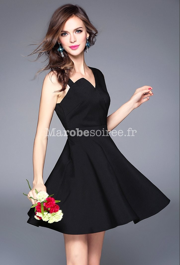 robe noire pour mariage invite les tendances de la mode. Black Bedroom Furniture Sets. Home Design Ideas
