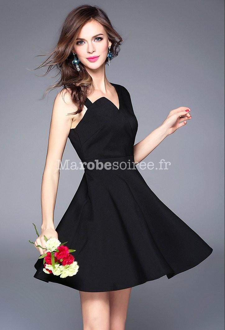 robe habill e noire asym trique. Black Bedroom Furniture Sets. Home Design Ideas