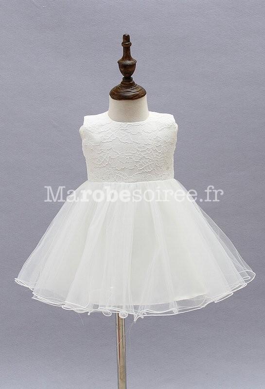 b7bf34561ec62 ... dentelle  Robe blanche avec jupe en tulle ...