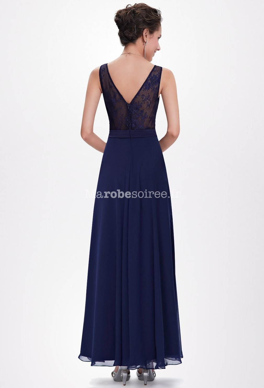robe longue avec dentelle dans le dos et d collet v. Black Bedroom Furniture Sets. Home Design Ideas