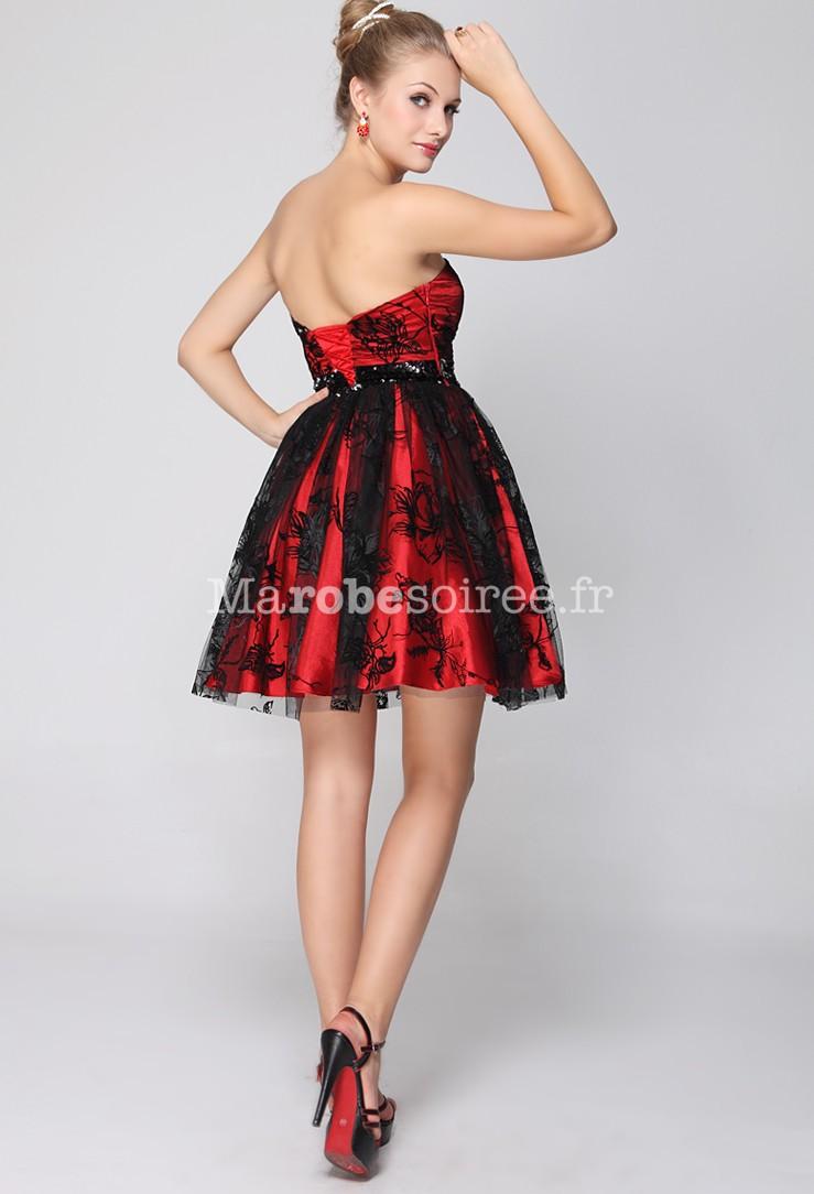 b03808165b599 Robe de cocktail courte rouge et noir ornée de broderie