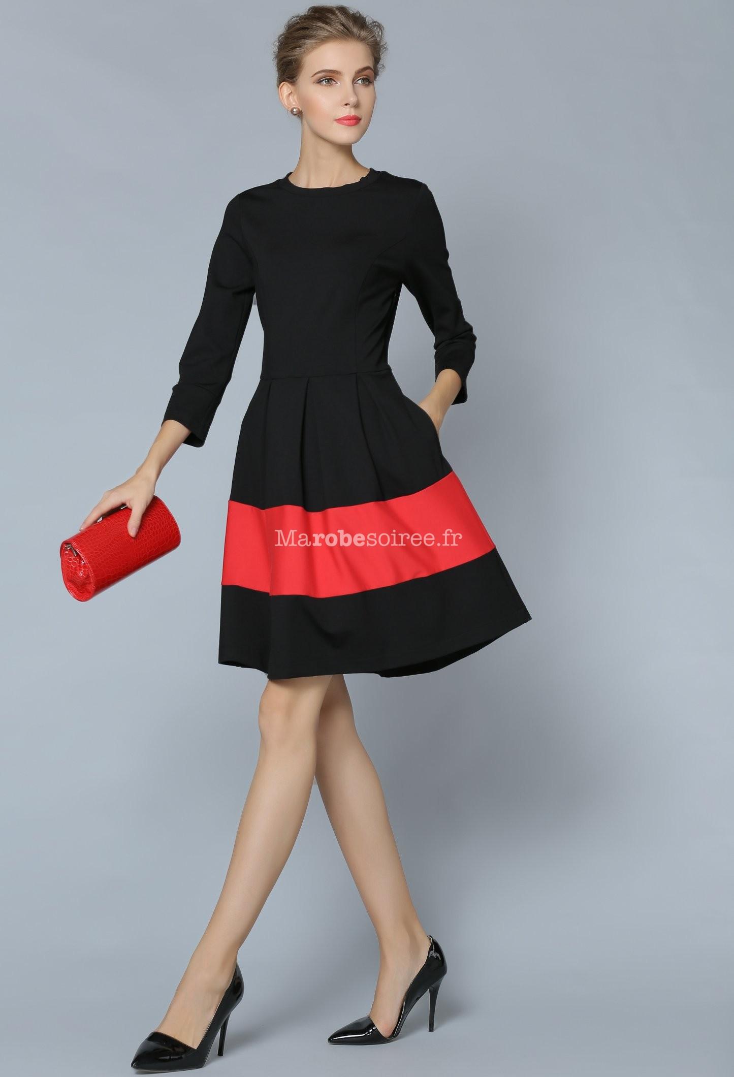 Petite robe tailleur noir manches longues