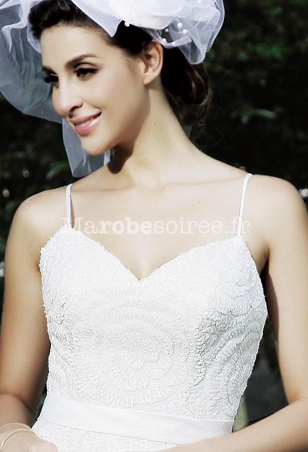 Robe de mariee bretelle fleur