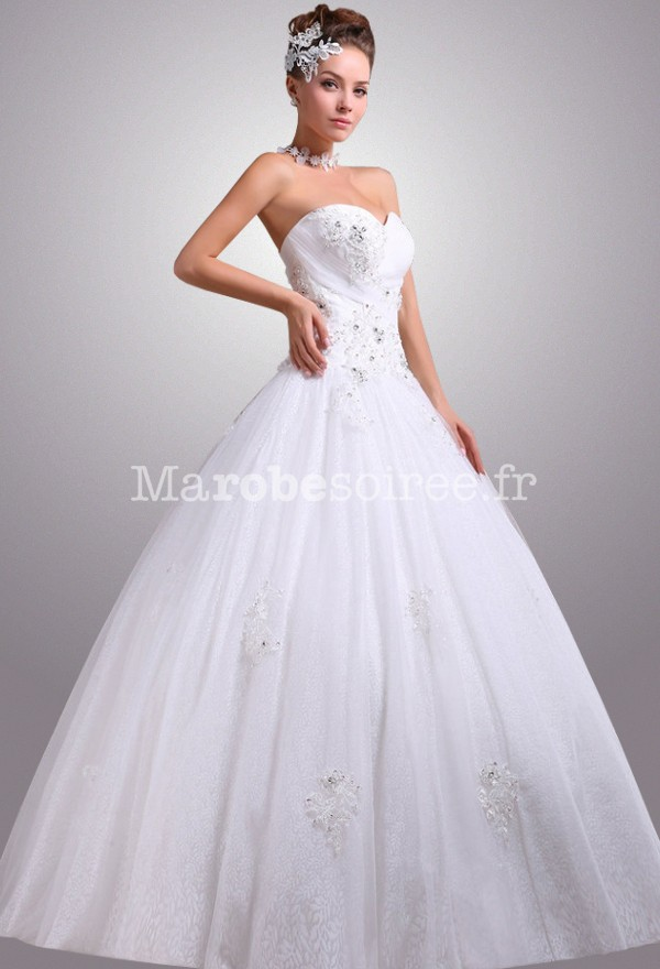 Robe de mariée style princesse et simple