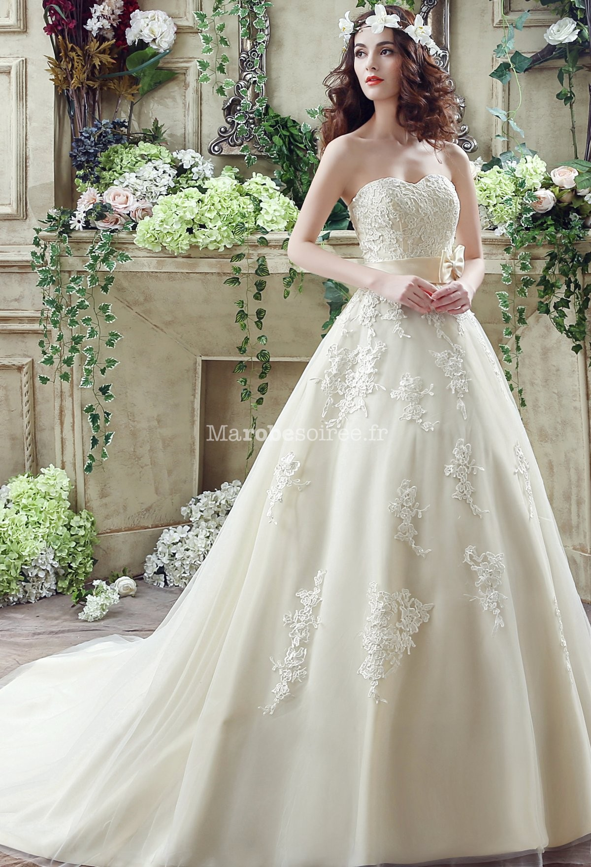 Robe de mariée princesse bustier dentelle