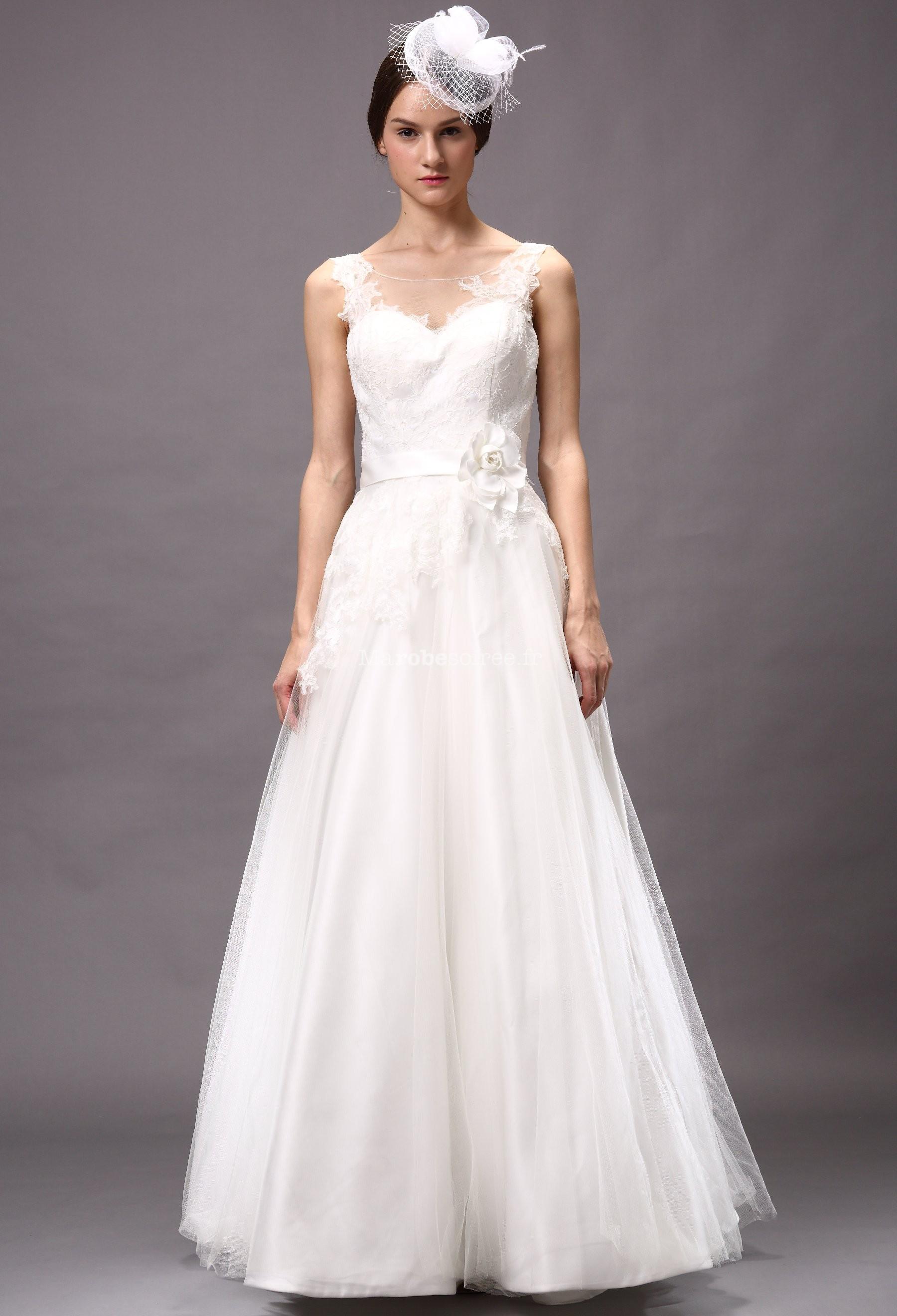 Accueil / Robe de mariée avec touche de fraicheur réf 15071 - sur ...