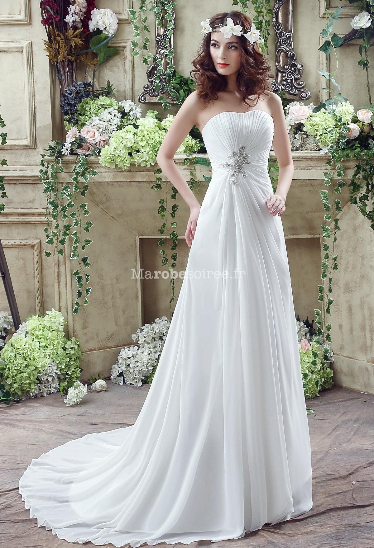 Accueil / Robe de mariée élégante et sobre réf SQ242 - sur demande