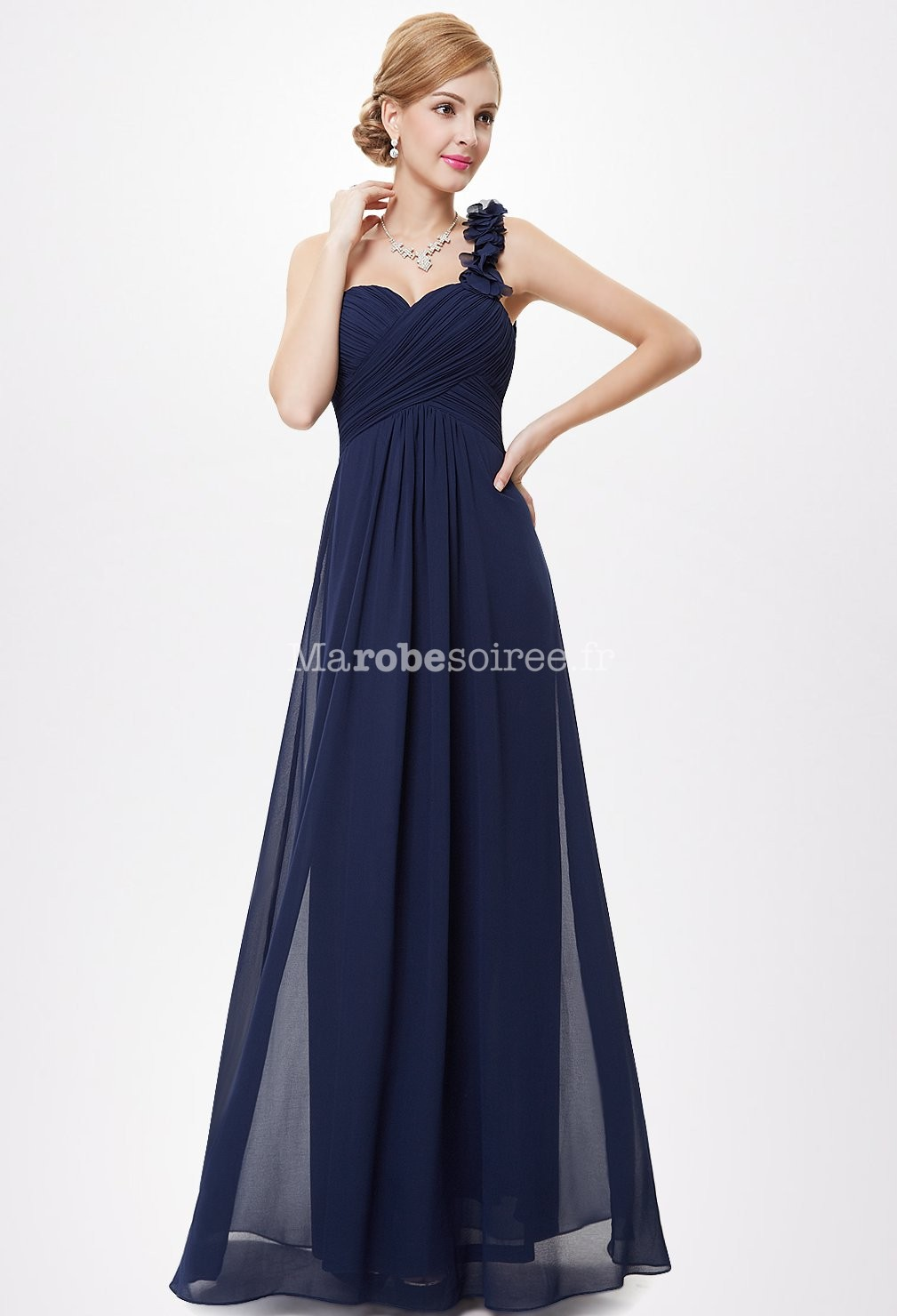 Top robes blog robe longue fluide bleue for Longue robe marine pour mariage