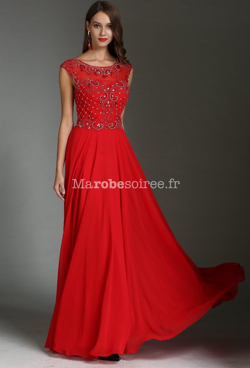 Jolie robe longue rouge dos transparent