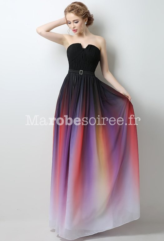 Robe de bal couleur or