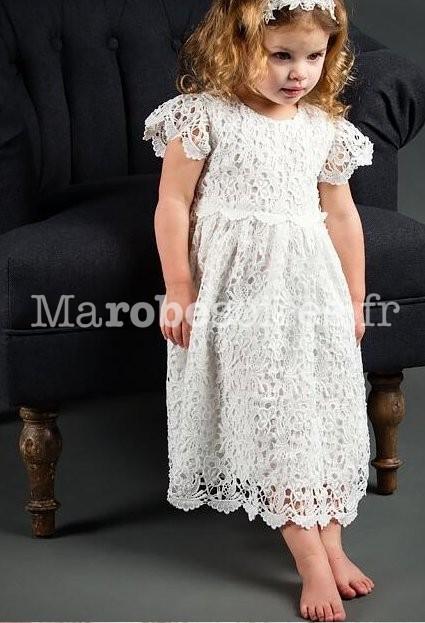 0e86f9091bc2c ... Robe dentelle baptême pour petite fille ...