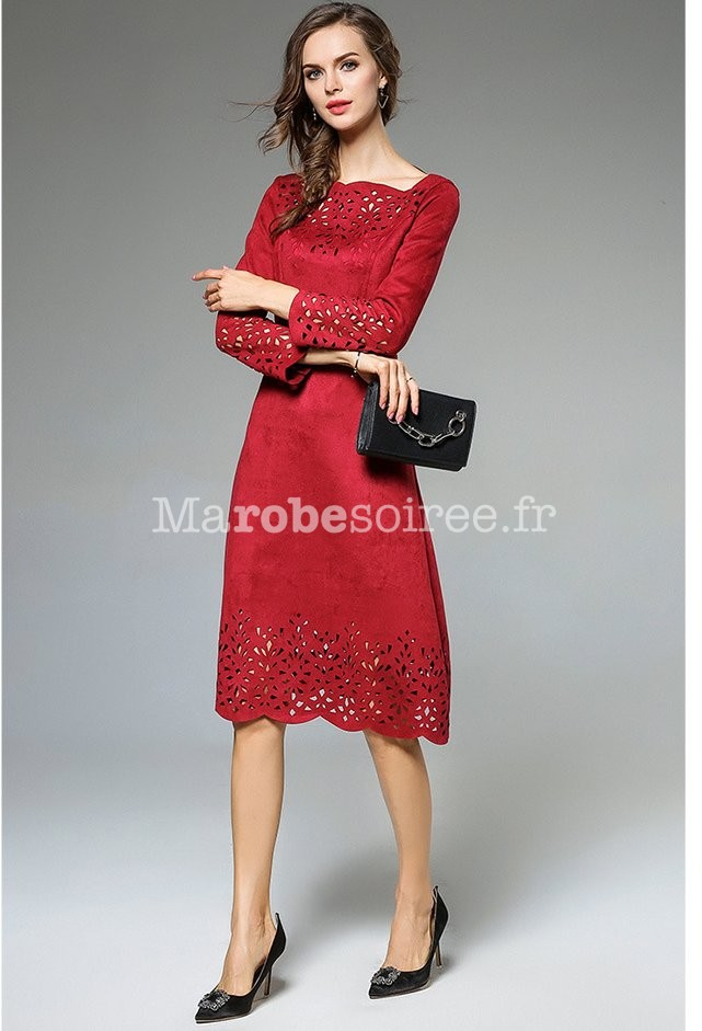 f117853a162 ... Robe habillée rouge finition perforée ...