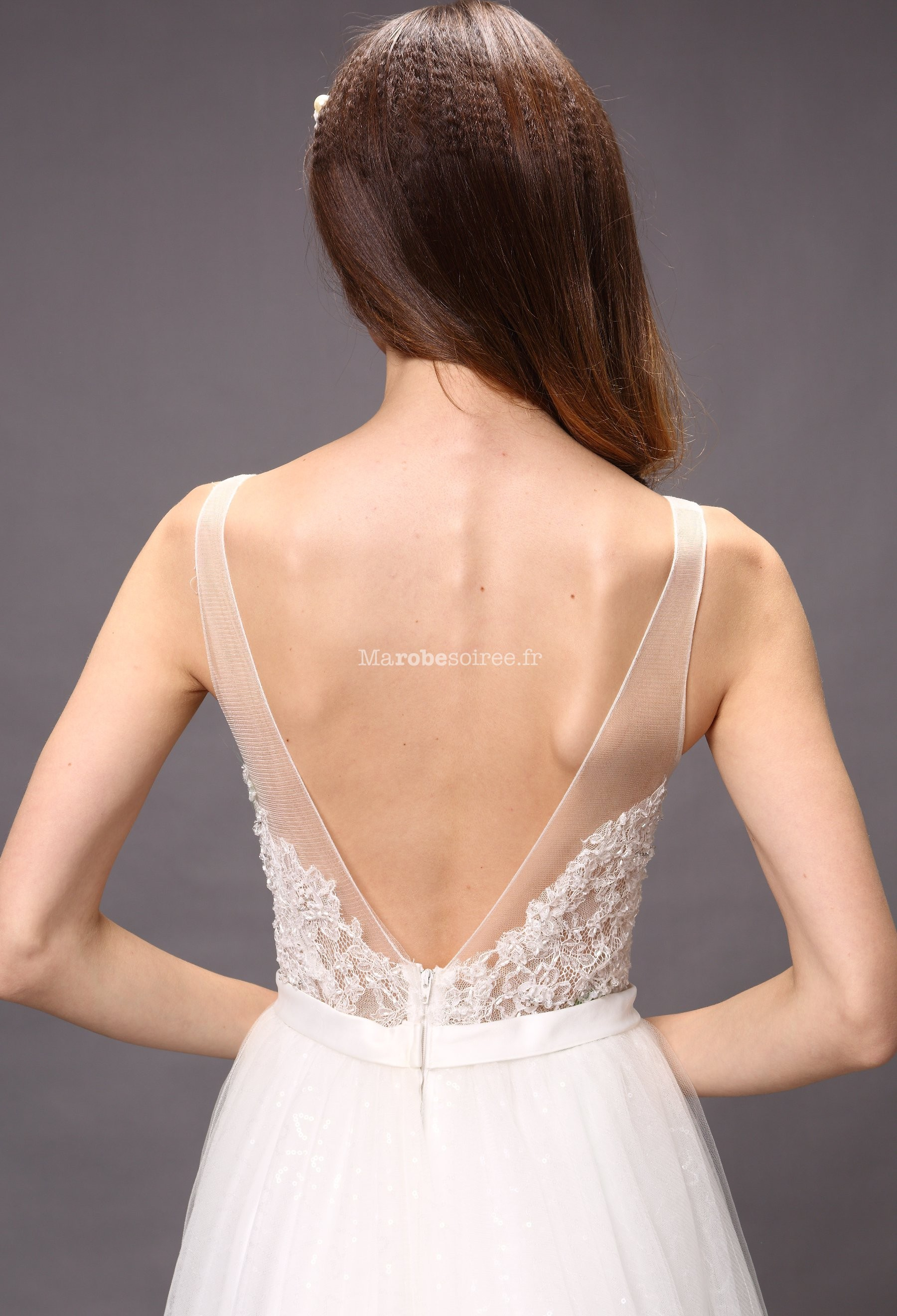 robe de mari e d collet chancr dans le dos. Black Bedroom Furniture Sets. Home Design Ideas