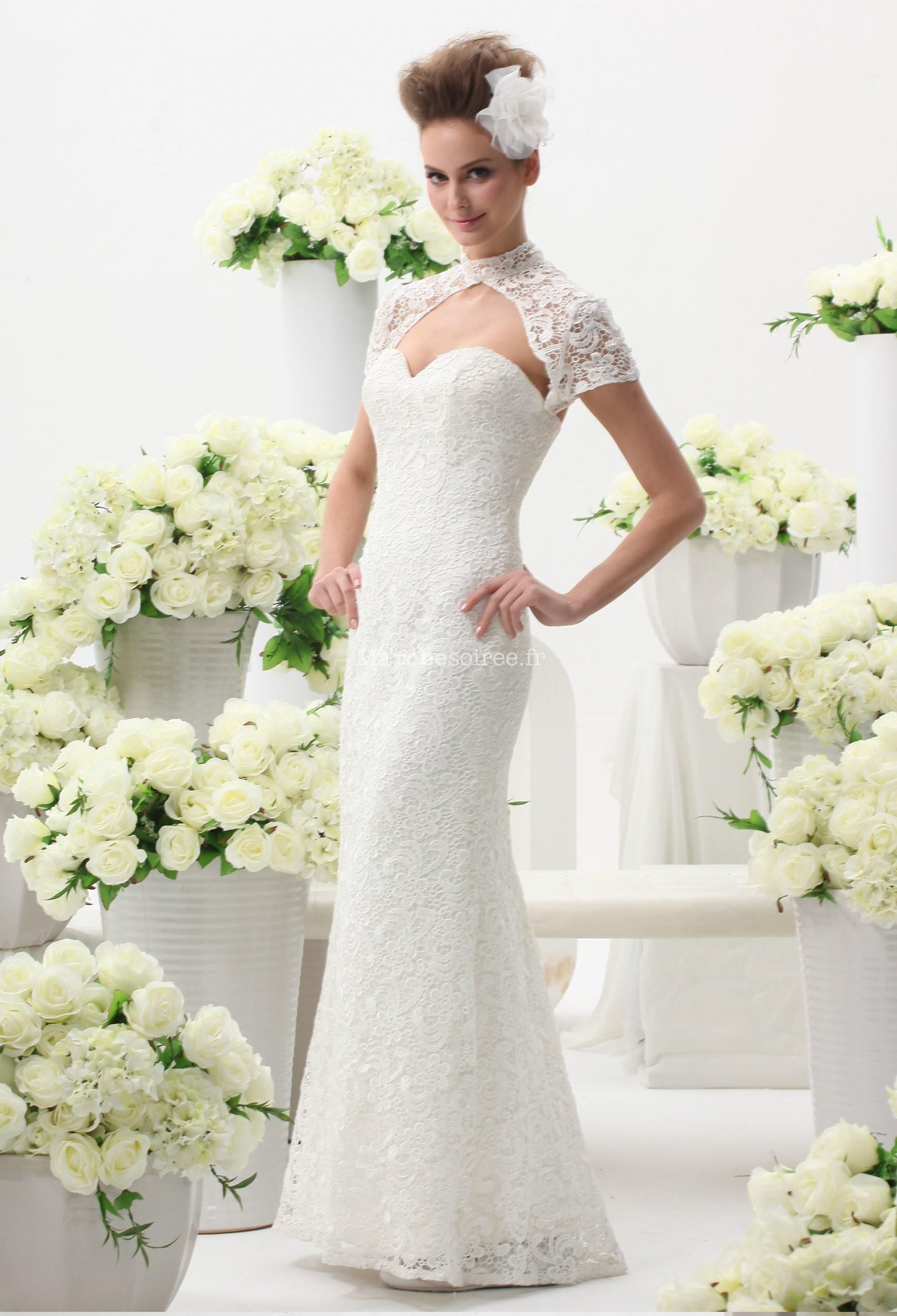 Robe de mariee avec bolero en dentelle
