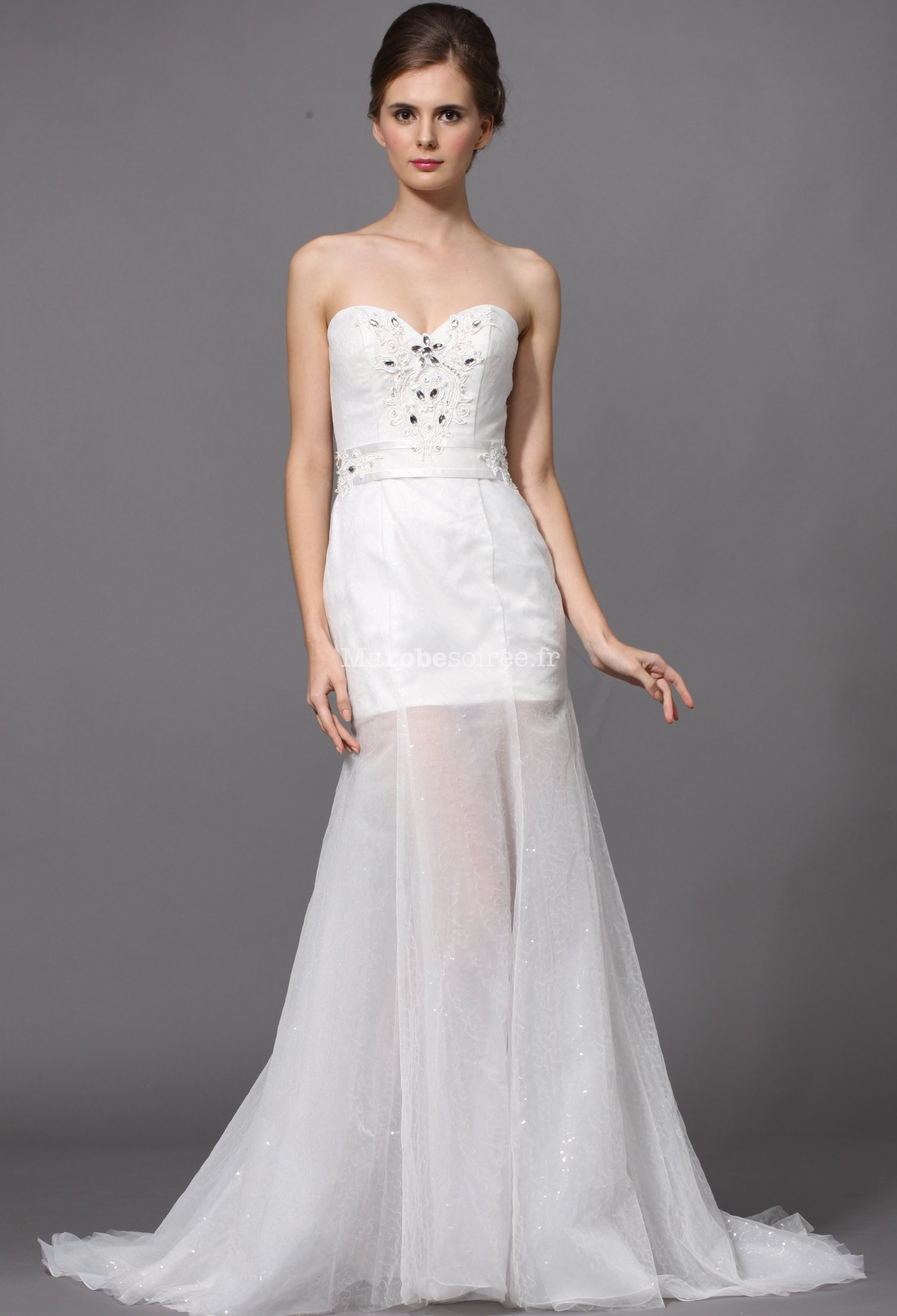 robe de mariée courte avec strass et sequins