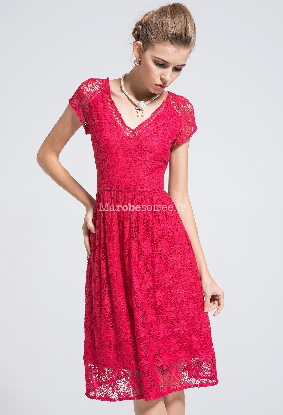 robe en dentelle rouge avec col en v et manches. Black Bedroom Furniture Sets. Home Design Ideas