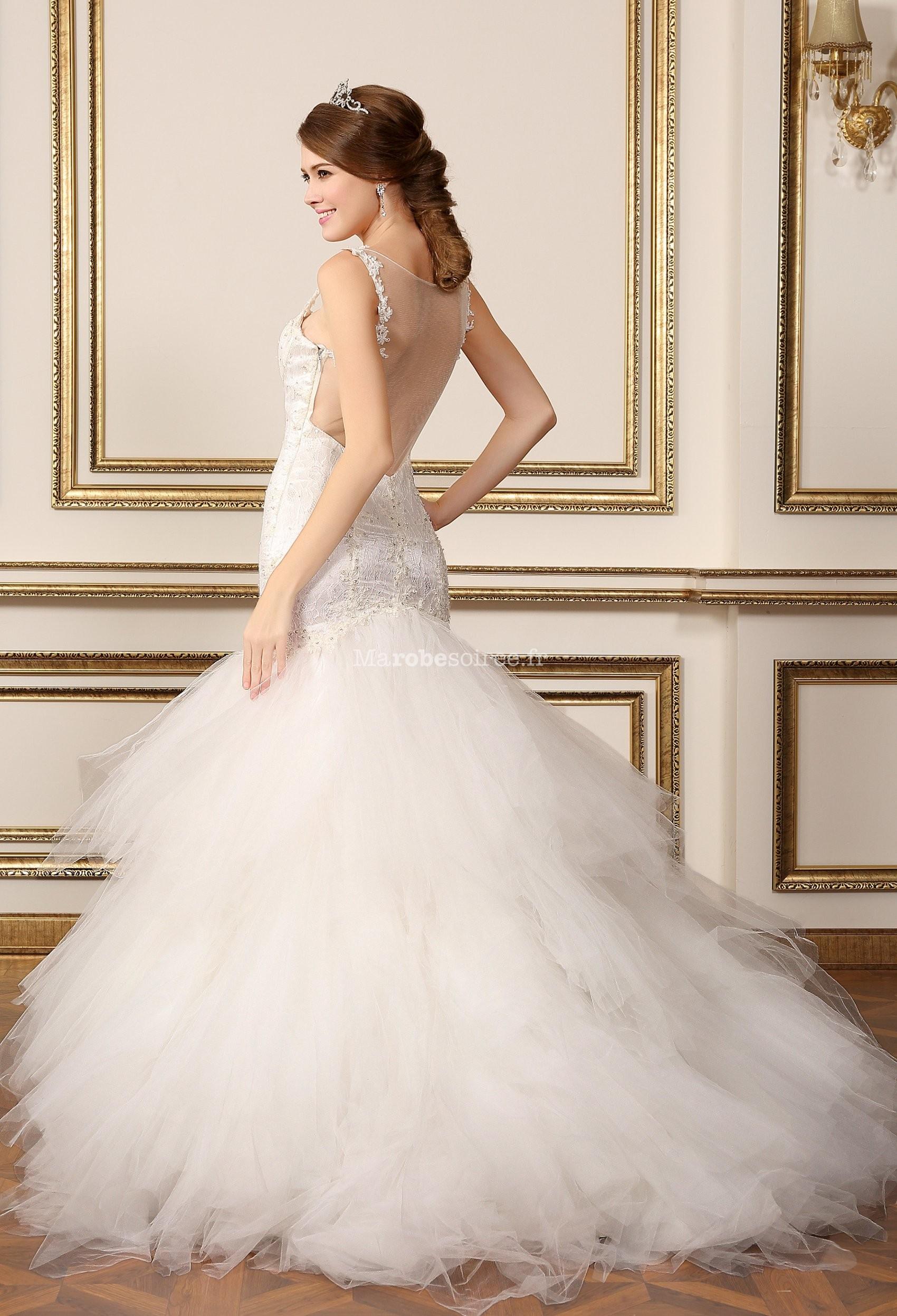 Robe de mariée à bretelle cintrée et volumineuse avec strass réf ...