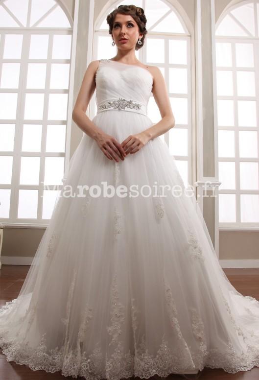 Robe de mariée bretelles avec ceinture strass