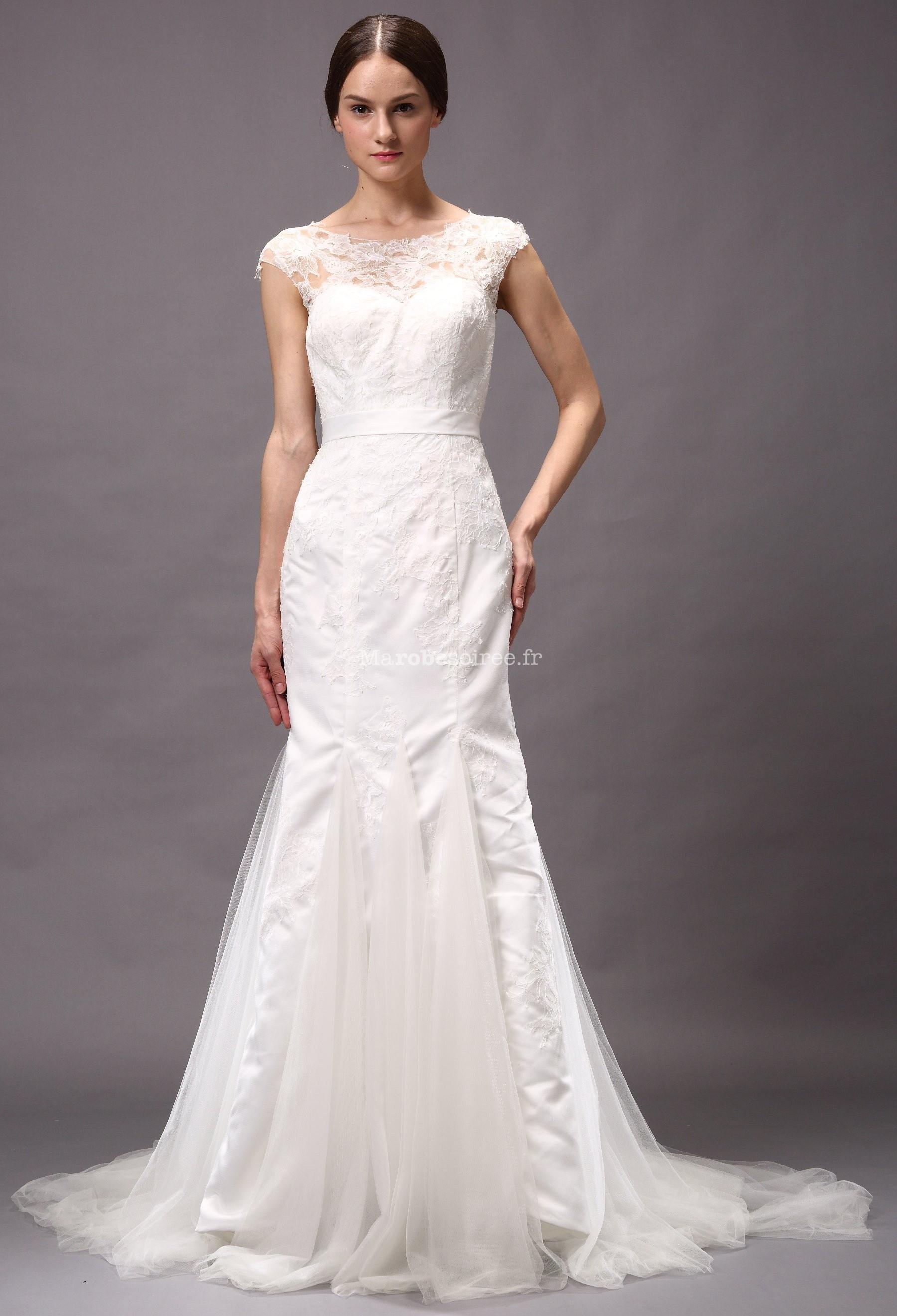 Accueil / Robe de mariée moderne avec col montant réf 15072 - sur ...