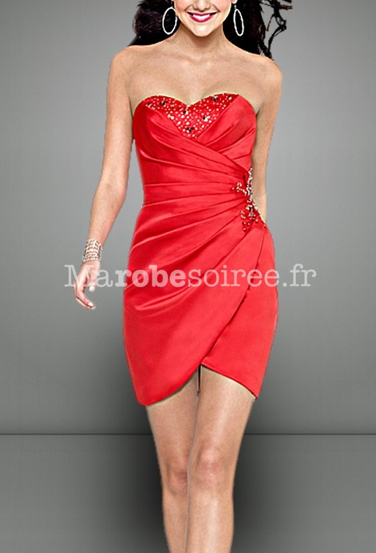 Robe de cocktail courte en satin