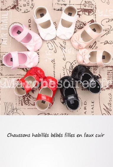 Chausson fille vernis brillant avec noeud réf: C8130