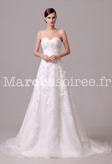 Robe de mariée bustier coeur fleurie réf 133