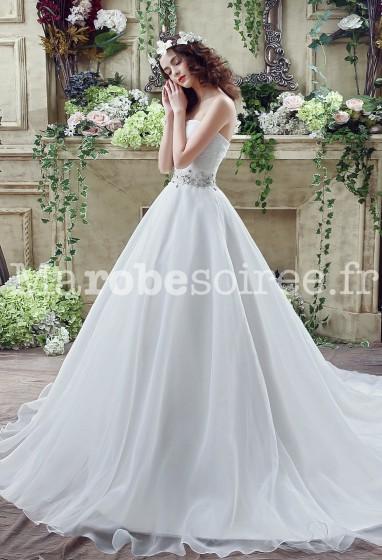 Robe de mariée bustier coeur ceinture