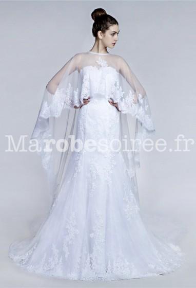 Robe de mariée fourreau avec voile long