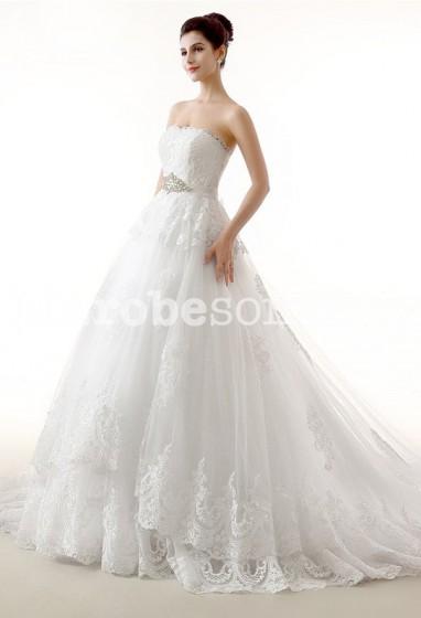 Robe de mariée bustier meringue à dentelle