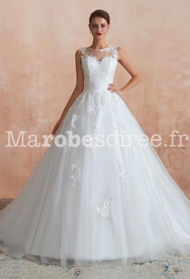 Robe de mariée bien cintré à la taille