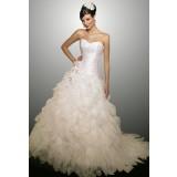 Destockage - Robe de mariée bustier volanté et broderies réf 585