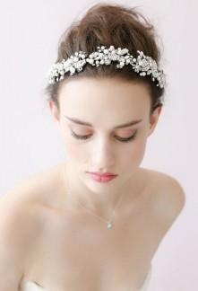 Bandeau décoration pour cheveux en strass et perles culture blanches - réf se1008
