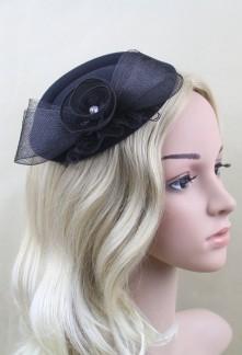 Bibi chapeau original avec fleur noire et strass réf. HA5651