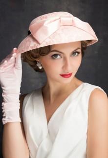 Chapeau de dame ornée de nœud rose et ruban noir - réf WH1668