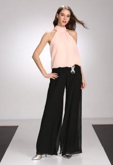 Robe de cocktail rose pastel bretelle asymétrique dentelle noire