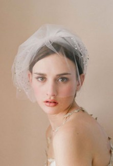 Voilette de mariée rétro vintage décorée de strass réf F023