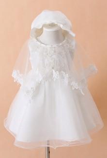 Petite robe baptême blanche avec bonnet