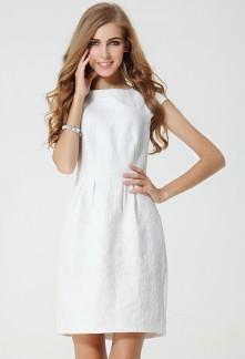 Robe blanche courte coupe droite réf YY1202
