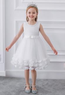 Robe courte pour petite fille en dentelle