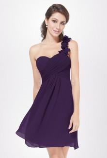 0203679a614 La robe cocktail bleu ajoute une touche de dépaysement et d originalité