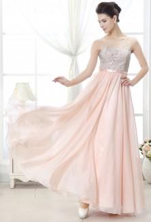 Robe de mariée fluide sur demande