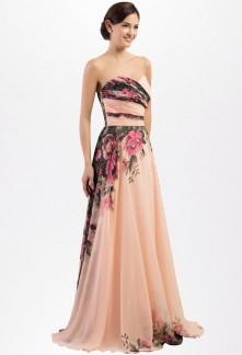 Robe de soirée longue motif fleur pour mariage printanier
