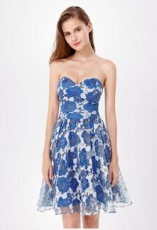 Robe de soirée bustier cœur avec tissu imprimé blanc et bleu EP5611