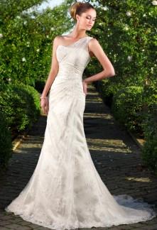 robe de mariée broderie fine une épaule