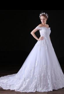 Robe de mariée bretelles tombantes dentelle