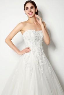 Robe de mariée princesse avec des fleures réf SQ262
