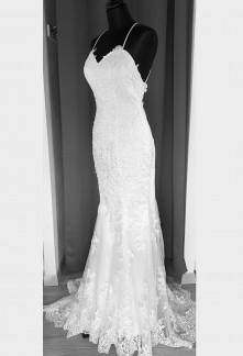 robe de mariée tout en dentelle sirène bretelles dos nu