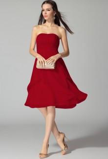 Magasin de robe de cocktail bordeaux